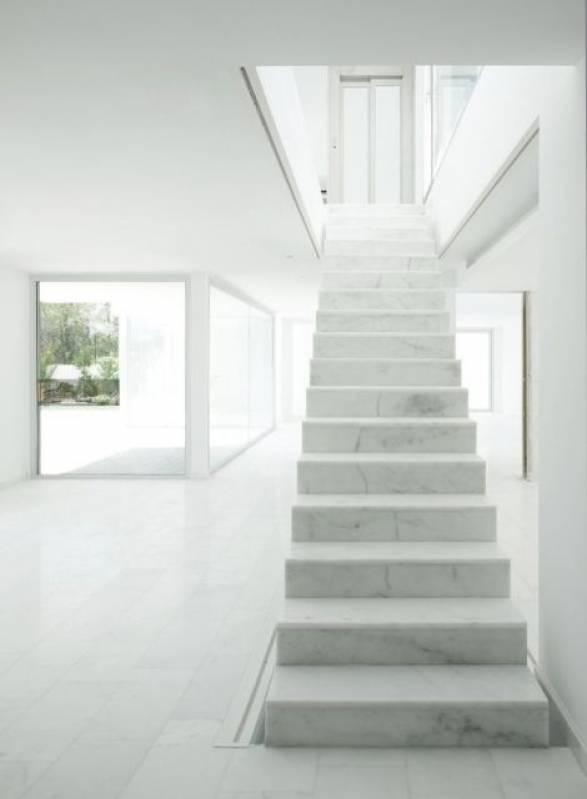 Escada de Mármore Branco Ubatuba - Escada com Mármore